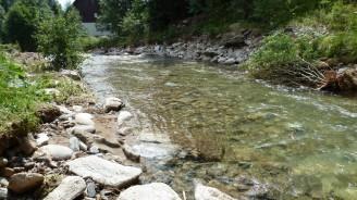 menší řeka