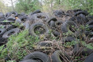 skládka pneumatiky