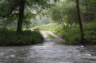 voda přes cestu - povodně - IMG_4235