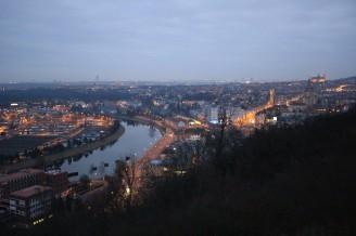 zřícenina Baba - noční pohled Praha
