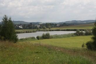 krajina louka rybník