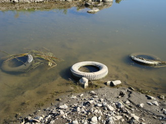 pneumatiky voda