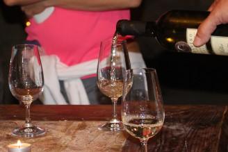 víno - degustace nalévání - IMG_9471_B