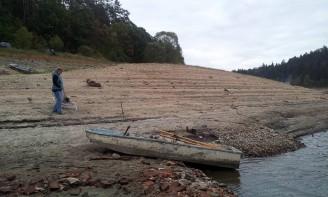 sucho - Orlík 2015 - září - pokles hladiny vody o 7 metrů sucho