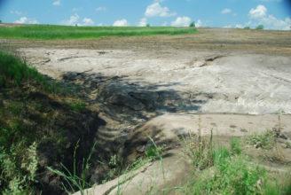 eroze pole 9