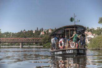 loď Kazi - společnost Pražské Benátky