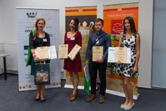 nadace-drevo-pro-zivot-vitezove-studentske-souteze-drevo-zari-2016