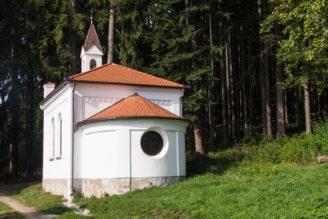 kaple-na-radosti-lesy-cr-2016