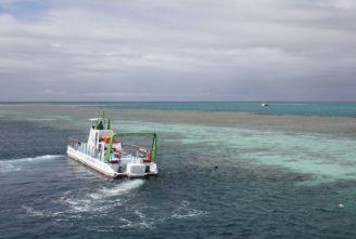 Velký bariérový útes - loď - FT1_911
