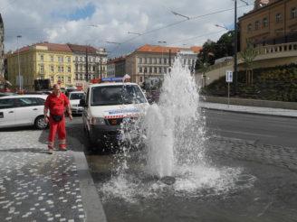 havárie potrubí Praha PVK