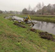 Povodí Moravy - řeka Jihlava - bagr - likvidace rákos